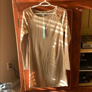Dresses & Skirts - New with tags size M women tan dress with gold